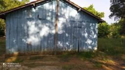 Vendo a madeira dessa casa