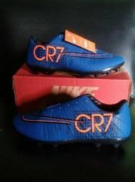 Chuteira Nike Cr7 N°40 75$