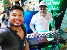 Música ao vivo com Berg Varela e Cláudio Andrade