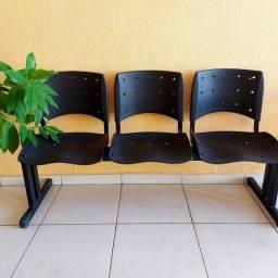 Conjunto 3 cadeiras longarinas!!