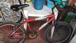 Bicicleta mountain bike antiga (bater rolo e negociar)