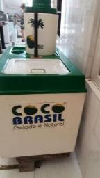 Cartinho de água de coco Semi novo