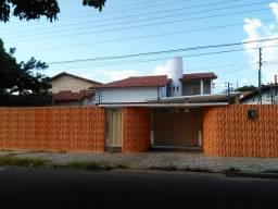 Casa no bairro Horto próximo da UFPI com 4 suítes, para residencia ou comercio!