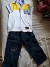 Vende Ser Uma Calça Jeans e Uma Camiseta Estão Novos