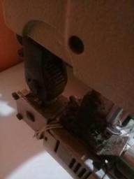 Máquina de braço para costura de macacão