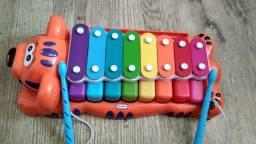 Xilofone infantil com piano