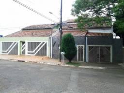 Casa para Locação em Campo Grande, SÃO FRANCISCO, 2 dormitórios, 1 suíte, 1 banheiro, 2 va