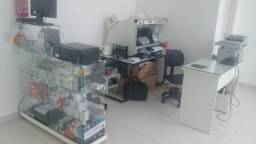 Aluga-se Loja com equipamentos/Móveis no Centro de Criciúma.