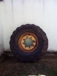 Roda traseira retro escavadeira