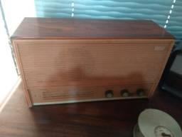 Radio am caixa de madeira