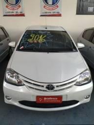 Toyota Etios hatch 1.5 2016 Branco Perolizado