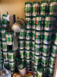 Vasilhames barril Heineken com kits novos