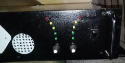 vendo amplificador muito forte baye 4 sib de 15