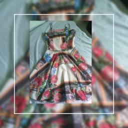 Vestidos usados mais em bom estado todos higienizados pra venda
