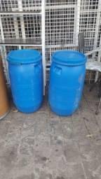 Bombona azul de plástico