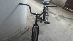 (Bicicleta pequena)