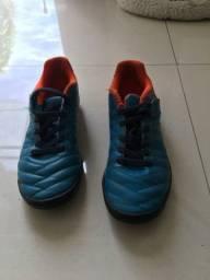 Chuteira de Futsal Kipsta de Velcro - Tamanho 30