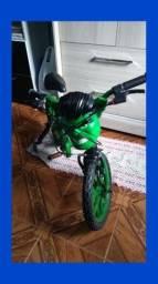 Bicicleta Bandeirante Hulk Aro 16