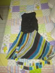 Vestido de festa preto e colorido