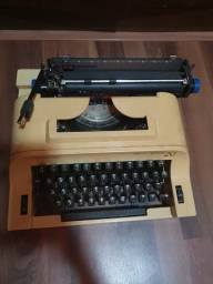Máquina de escrever portátil Remington 20 funcionando