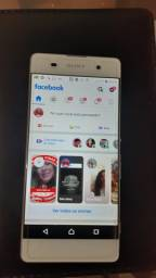 Celular Sony Xperia ótimo pouco tempo de uso tela 5.0