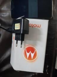 Motorola e6s 2mese de usuários só 600 reais