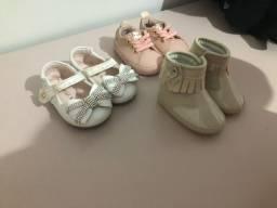 Vendo 3 sapatos bebê ( bota / tênis rosa / sapato )