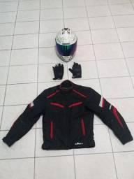 Capacete, jaqueta e luva