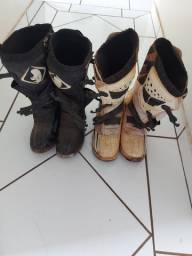 Roupa de trilha e bota