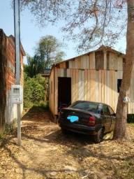 Título do anúncio: Casa de madeira com banheiro