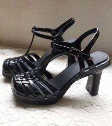 Sapato Melissa, preto, numero 35, usado