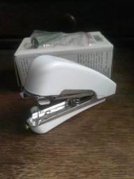 Mini Máquina de Costura Manual Branca