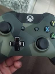 Manete Xbox One camuflada