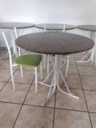 5 mesas em granito + cadeiras