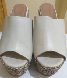 Sandálias tamanho 34