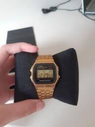 Relógio Casio Vintage Original Dorado Cara Negra<br><br>