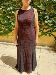 Vestido festa preto com vinho