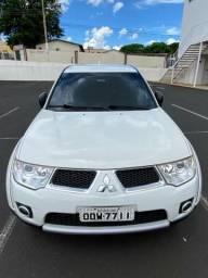 L200 Triton Diesel 4x4 Automática - 2013