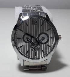 1beaf2aab31 Relógio de pulseira de aço masculina fundo prata