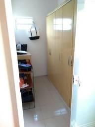 Vende-se casa condomíno fechado