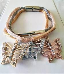 Pulseira Tripla Borboletas Dourada/Prateada/Rosê Pedras Brilho