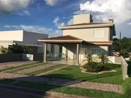 Casa Cond. Santa Isabel (220m2, terreno de 525m2) - Aceito Permuta