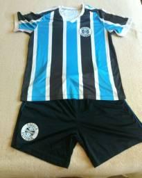 Uniforme escola Grêmio P pouco usado