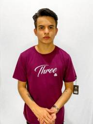 Camiseta Three Caligrafia