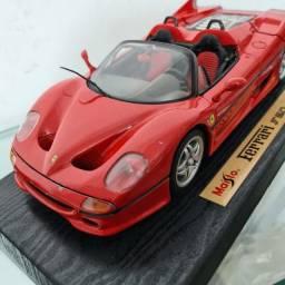 Miniatura Ferrari F50 - 1/18 Maisto