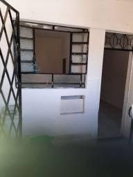 Alugo  casa em Madureira