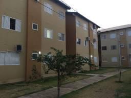 Alugo apartamento no Rita Vieira