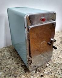 Esterilizador Faet antigo de gavetas. 220v / 500w .Raridade!