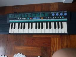 teclado yamaha pss-190