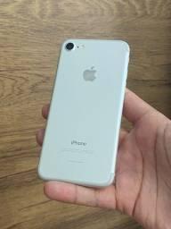 iPhone 7 128GB Branco Prata - Até 12x R$149,90 no cartão! Saúde da bateria 90% 128 gb